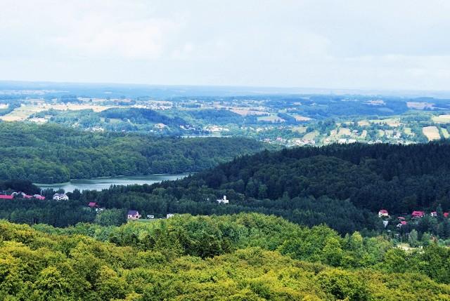 Widok ze szczytu Wieżycy na Jeziora Raduńskie