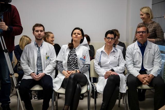 Lekarze z BCO (od lewej):  dr Tomasz Łobacz, dr Iwona Zakrzewska, dr hab. Ewa Sierko oraz dr Rafał Kisielewski  zachęcają do skorzystania z programów profilaktycznych