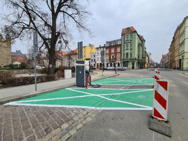 W Toruniu powstanie ponad 40 stacji ładowania aut elektrycznych