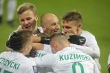 Warta Poznań dalej ma szansę na awans do europejskich pucharów, ale jest ona bardzo mała. Co musi się stać w ostatniej kolejce ekstraklasy?