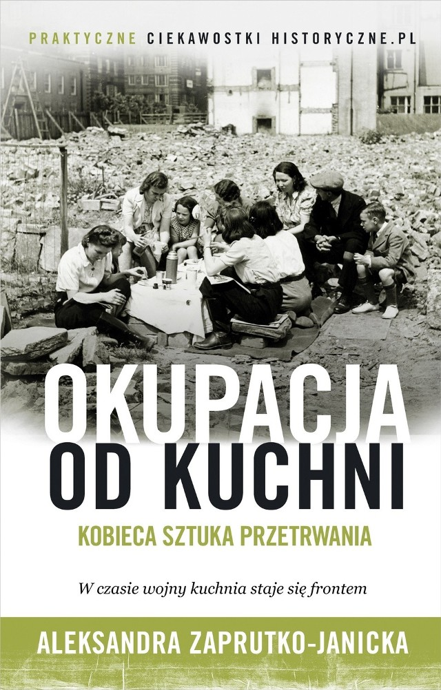 Aleksandra Zaprutko-Janicka otwiera przed czytelnikiem domowe kuchnie, zaplecza restauracji, zatęchłe spiżarnie, podgląda uliczne targowiska i kryjówki szmuglerów z czasów II wojny światowej.