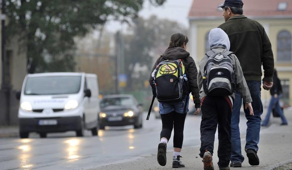 66e17513e46dc Za ciężkie tornistry  W szkołach trwa ważenie tornistrów i plecaków ...