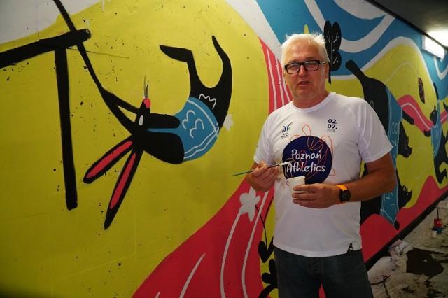 W Poznaniu powstał kolejny mural, tym razem na Golęcinie. W jego tworzenie włączyli się sami mieszkańcy. W weekend, 29-30 maja specjalista od murali naniósł jego szkic, który poznaniacy wypełniali barwami 1 i 2 czerwca w tunelu pod ulicą Niestachowską.Zobacz na kolejnych zdjęciach, jak powstawał mural malowany przez poznaniaków, poruszając się za pomocą strzałek, myszki albo gestów na smartfonie