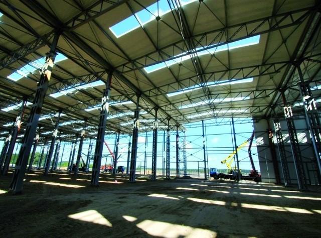 Budowa hali nowego zakładu Pronaru w Siemiatyczach już jest na ukończeniu. Niebawem zacznie się tam produkcja.