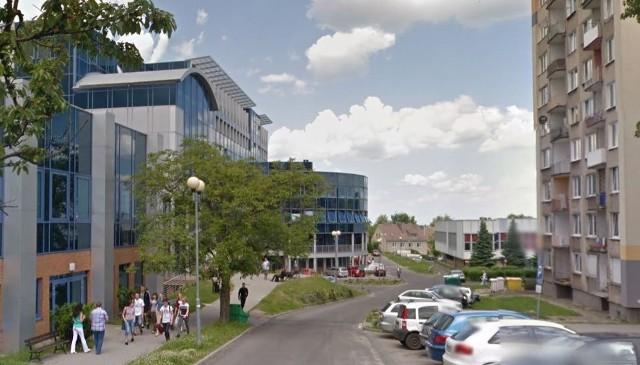 Przy odrobinie szczęścia można znaleźć mieszkanie w pobliżu uczelni