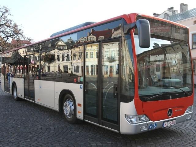 Nowa autobusy na gaz ziemny będą malowane w takie same barwy jak mercedesy na olej napędowy.