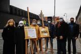 Ruch Polska 2050 Szymona Hołowni zapowiada walkę z nielegalnymi wysypiskami śmieci na Pomorzu