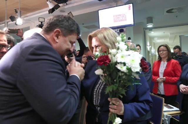 Marszałek Grzegorz Schreiber i przewodnicząca Iwona Koperska.