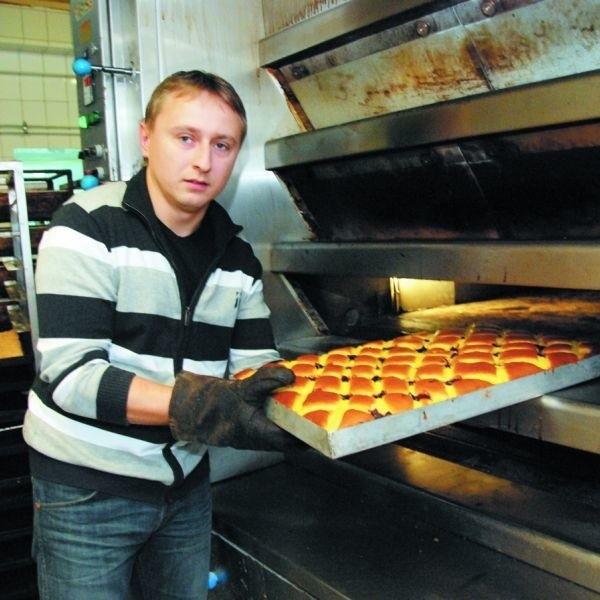 Gdy drożeje gaz, rosną wszystkie nasze koszty – mówi Andrzej Snarski z Zakładu Piekarniczo–Cukierniczego. – I czasem przekłada się to na ceny chleba