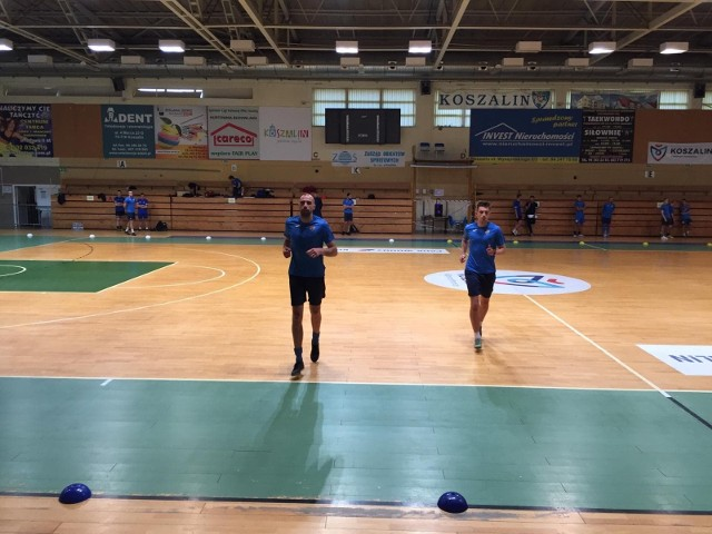 Piłkarze trzecioligowej Gwardii Koszalin rozpoczęli przygotowania do sezonu 2020/21 od badań wydolnościowych w formie beep-testu.