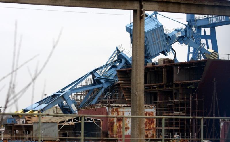 W wypadku na terenie Stoczni Wisła ranne zostały dwie osoby