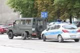 Wrocław: Audi staranowało wojskowego honkera
