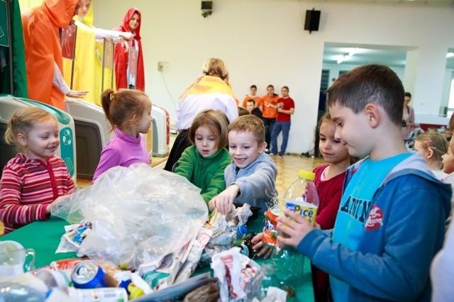Eko-bajka będzie prezentowana  dzieciom ze szkół i przedszkoli do 8 grudnia.