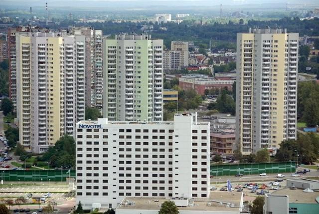 Śmiertelny wypadek w Katowicach. Z wieżowca na Osiedlu Gwiazdy wypadła kobieta