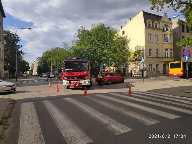 Wypadek z udziałem opla i autobusu MPK - Łódź 2.06.2021