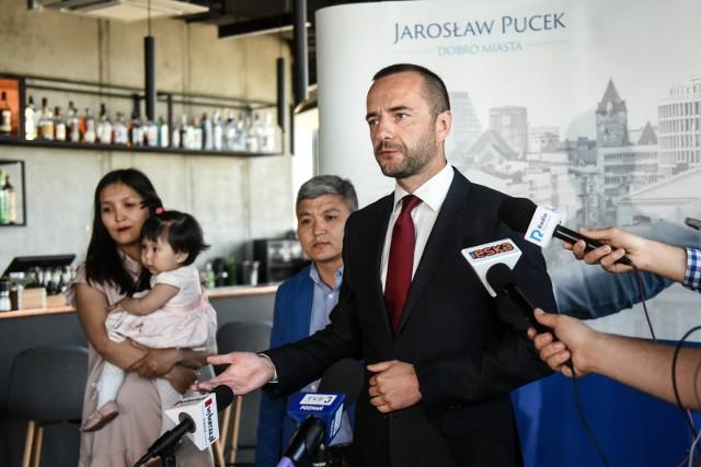 - Na moje oko to zwykłe tchórzostwo, finansowane z pieniędzy publicznych - tak wysyłanie urzędnika na konferencję prasową ocenił Jarosław Pucek.