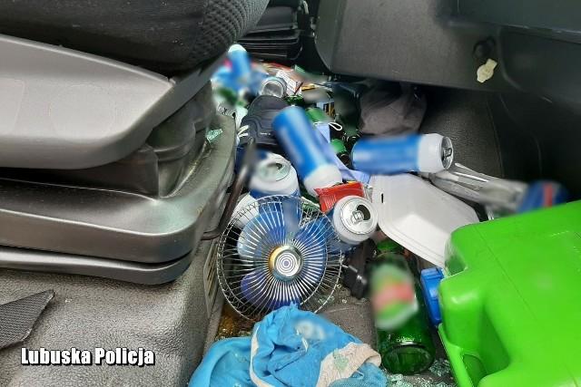 Kierowca ciężarówki miał 2.7 promila alkoholu we krwi. W kabinie znaleziono wiele puszek po piwie.