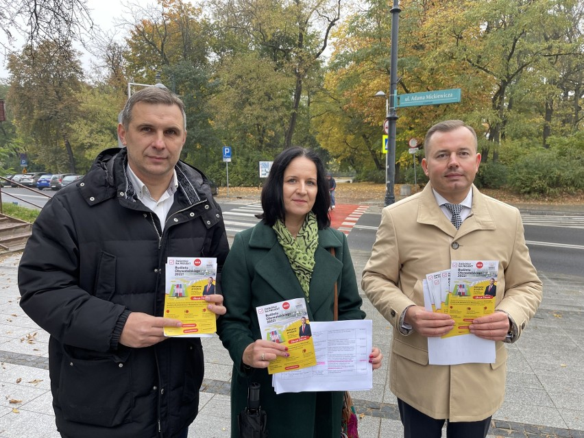 Radni  Katarzyna Ancipiuk, Jacek Chańko i Henryk Dębowski...