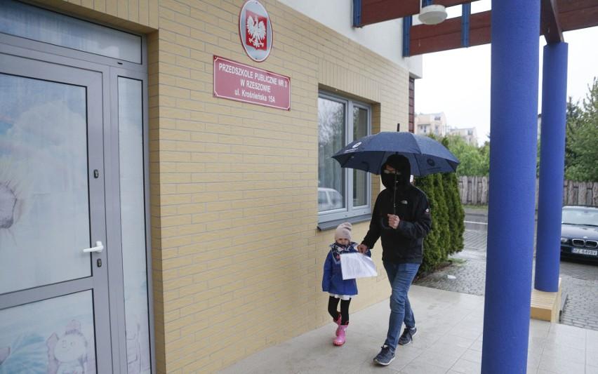 Od środy w Rzeszowie znów otwarte są publiczne przedszkola....