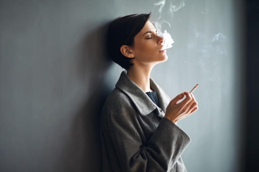 Już kilka sekund po zapaleniu papierosa na skutek...