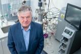 Prof. Mackiewicz: Prototyp polskiej szczepionki na koronawirusa będzie we wrześniu. Pierwszy pacjent będzie mógł ją dostać za 8 miesięcy