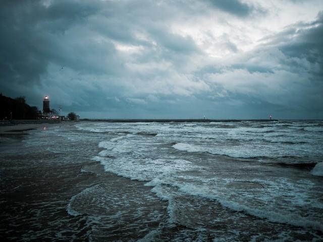 IMGW wydało ostrzeżenie hydrologiczne. Stany wody (obserwowane lub prognozowane) układają się w strefie powyżej stanów ostrzegawczych, lecz poniżej stanów alarmowych.
