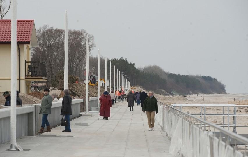 W Sarbinowie przebudowują promenadęOdcinek wschodni opaski był i nadal będzie promenadą.