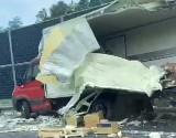Wypadek na S8. Zderzenie dwóch ciężarówek na wysokości miejscowości Zambrzyce-Króle (zdjęcia)