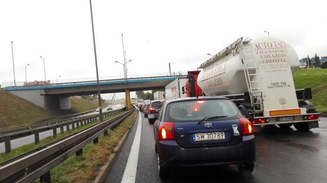 Koszmarne korki na trasach w Katowicach w czarny poniedziałek
