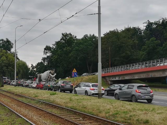 Na Krakowskiej powstaje buspas. Będą większe korki?