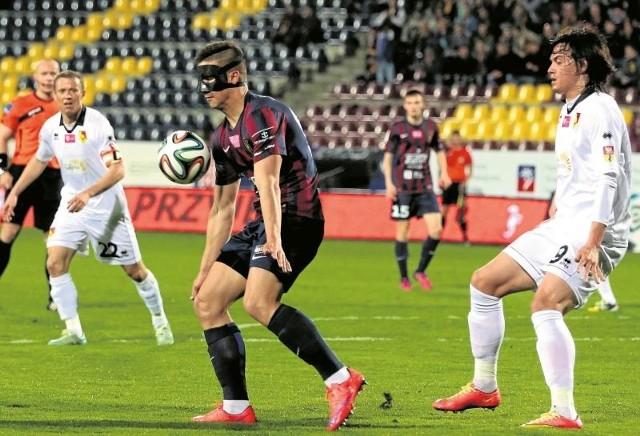 Oby piłkarze Jagiellonii (na biało) zatarli jutro złe wrażenie z ostatniego meczu w Szczecinie i pokazali, że ich trzecie miejsce w tabeli ekstraklasy nie jest dziełem przypadku