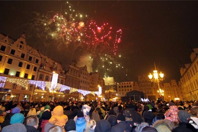 """O godz. 20:00 nad Wrocławiem i miastami Dolnego Śląska rozbłysną sztuczne ognie. To """"światełko do nieba"""", które co roku wysyła WOŚP."""