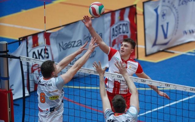 AKS Rzeszów dzięki wygranej poprawił nieco swoją sytuację w ligowej tabeli.