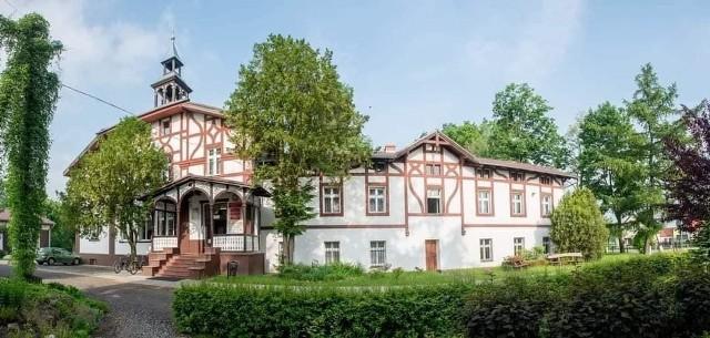 Pałac i park w Chróścinie należy już do gminy.