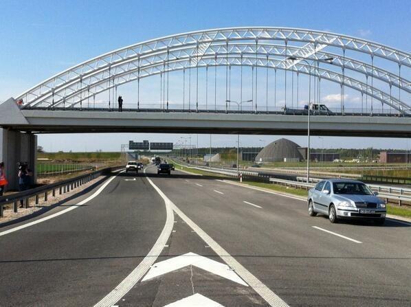 Brakujący odcinek autostrady A1 Gdańsk-Łódź międzyBrakujący odcinek autostrady A1 Gdańsk-Łódź między Włocławkiem a Kowalem już otwarty. Przejazd A1 z Czerniewic k. Torunia do Kowala będzie przynajmniej do lata bezpłatny.Więcej: Brakujący odcinek autostrady A1 Gdańsk-Łódź między Włocławkiem a Kowalem już otwarty
