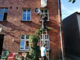 Akcja ratownicza w Wejherowie. Zadzwonili po straż, bo usłyszeli wołanie o pomoc [zdjęcia]