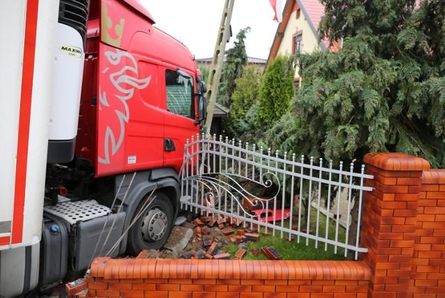 Wypadek tira na Rakowieckiej w Piotrkowie