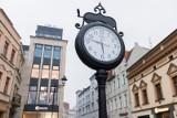 Zmiana czasu z letniego na zimowy 2021. Kiedy przestawiamy zegarki z czasu letniego na zimowy? Czy to właśnie teraz: 25.10.2021
