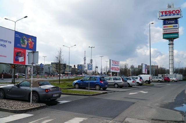 Hipermarket Tesco przy ul. Opieńskiego dla klientów był otwarty do końca ubiegłego roku