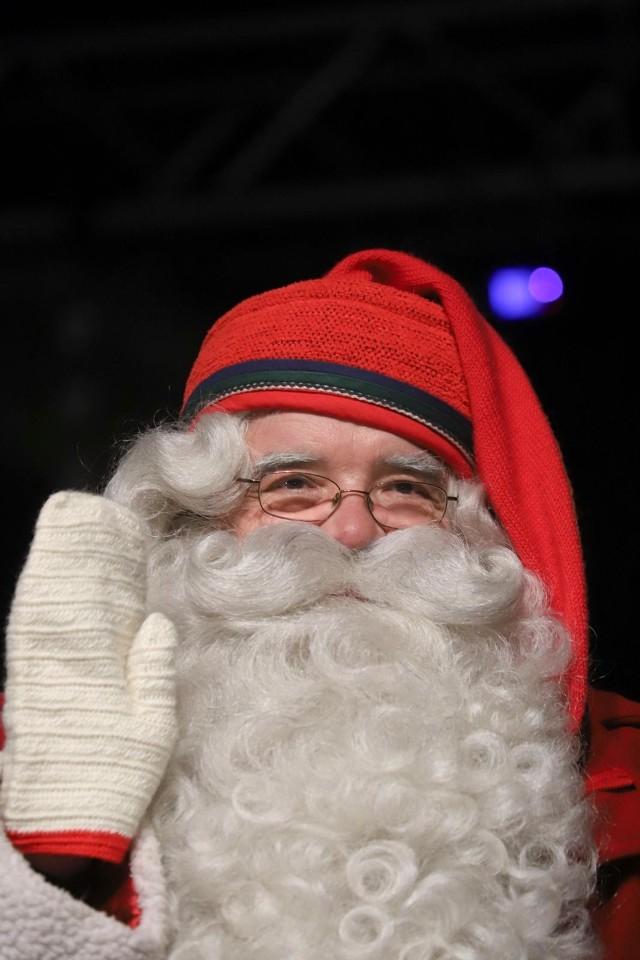 Jak co roku, zwieńczeniem wizyty Mikołaja w Białymstoku będzie zapalenie światełek na miejskiej choince na Rynku Kościuszki. Start imprezy na Miejskim Rynku – 16:30