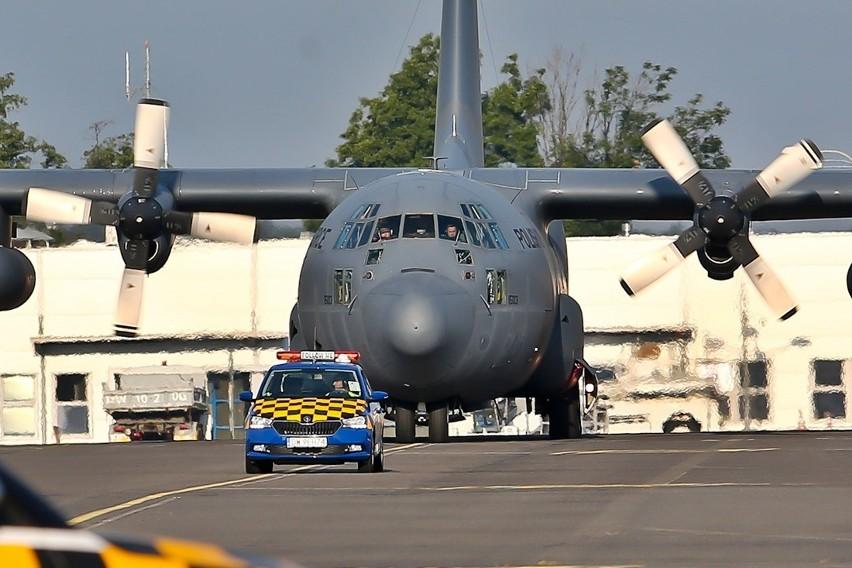 Hercules C 130 przetransportuje do Libanu 20 ton pomocy humanitarnej.