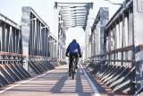 Te liczby mogą zaskakiwać! W Lubuskiem mamy coraz więcej ścieżek rowerowych, ale też sporo dzikich wysypisk. Garść statystyk na Dzień Ziemi