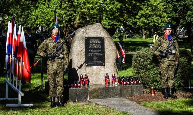 W Bydgoszczy uroczystości upamiętniające wydarzenia z 1944 r. odbędą się w niedzielę, 1 sierpnia, o godz. 17 przy pomniku Powstania Warszawskiego  - u zbiegu uli Czerkaskiej i Gdańskiej.