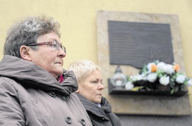 Krystyna Biegańska (z lewej) i Halina Zdanowicz 30 września 2005 roku w katastrofie autokaru pod Jeżewem straciły ukochane córki - Monikę i Karolinę. - Nie spoczniemy, dopóki nie dojdziemy do prawdy - mówiły w trakcie procesu. Dziś czują się zawiedzione i zdruzgotane. - Sąd nie wyciągnął żadnych wniosków z tej tragedii - dodają  z żalem.