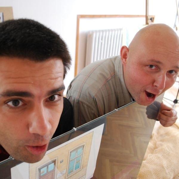 """Wojciech Kwieciński (po lewej) i Michał Graczyk -pomysłodawcy """"Karpika"""" z rybimi minami - zrobili już sześć edycji imprezy."""