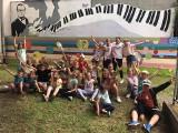 Dąbrowa Górnicza. Nowy muzyczny mural na ścianie Młodzieżowego Ośrodka Pracy Twórczej. To nie koniec prac z Michałem Spisakiem