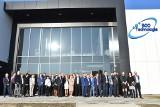 """Wielkie otwarcie firmy Eco Technologia w Jędrzejowie. To numer """"001"""" w strefie ekonomicznej. Budynek prezentuje się pięknie (WIDEO, ZDJĘCIA)"""