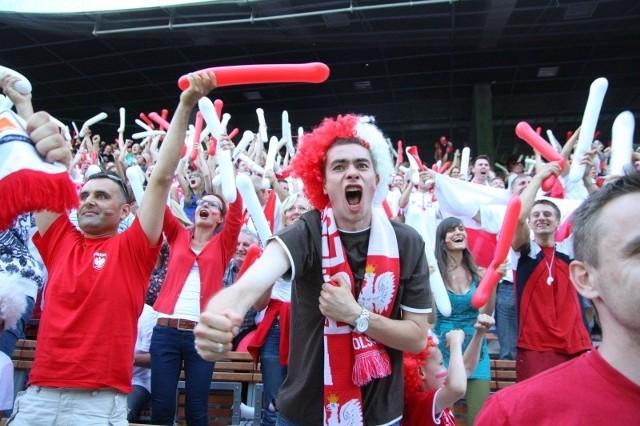 Piwo można było pić w strefie kibica w amfiteatrze podczas Euro 2012. Problemów nie było.