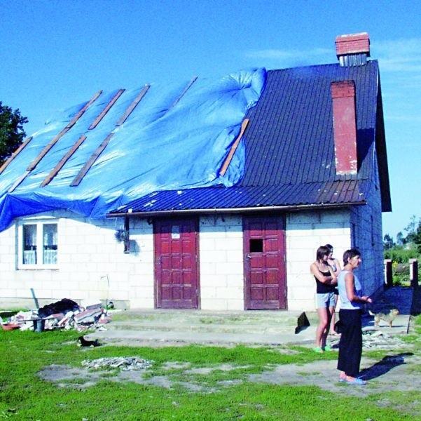 Jednym z najbardziej zniszczonych jest dom sołtysa wsi Niedźwiedź