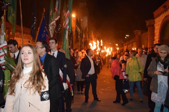 Marsz z pochodniami narodowców w Częstochowie